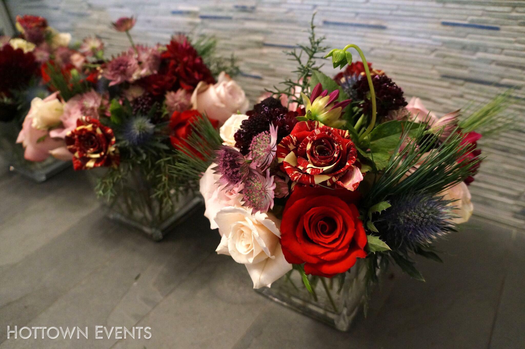 <h5>Table top floral arrangements</h5>