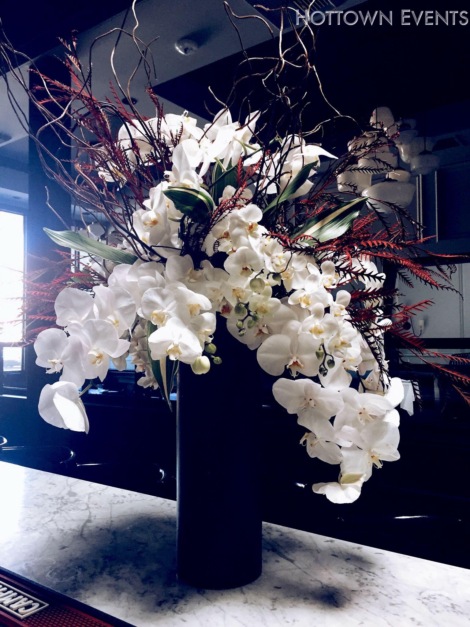 <h5>Large Orchid Bar top arrangement</h5>