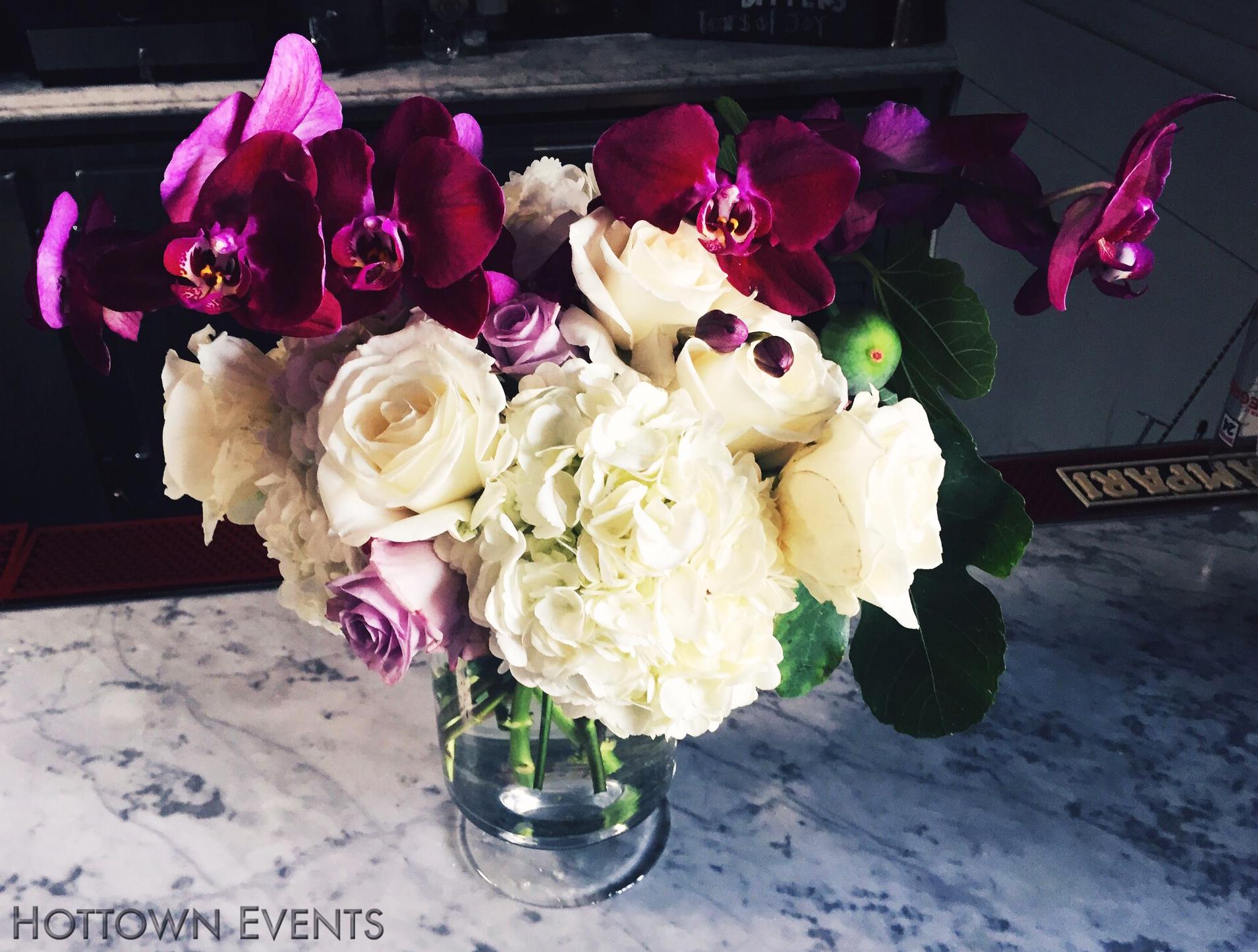 <h5>Medium Table top floral arrangements</h5>